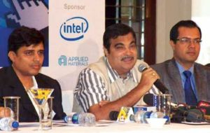 Nitin Gadkari addressing the interactive session