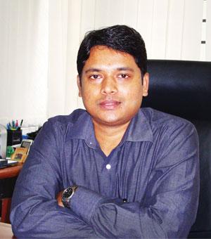 Dr Rathan Kelkar