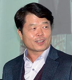 Hyun Chil Hong