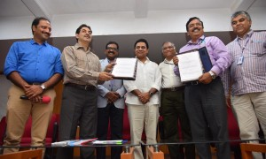 telangana-state-government-signs-mou-with-isro-for-promoting-education-in-state