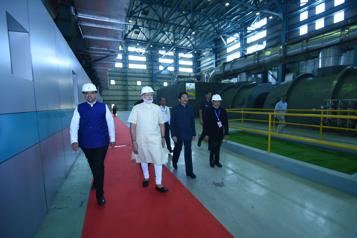 PM dedicates various infrastructural projects to the nation