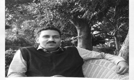 Dr Navneet Mohan Kothari