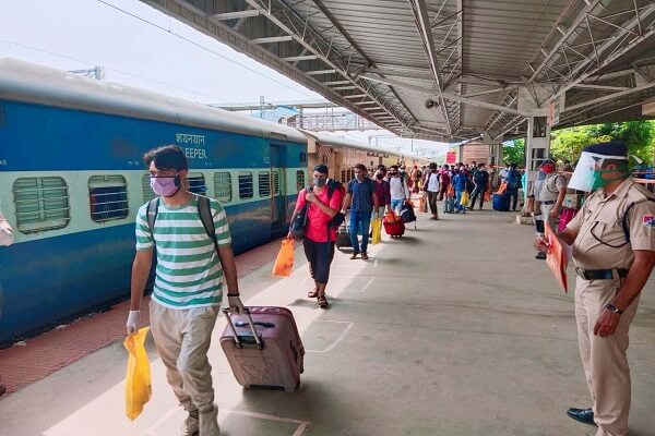 Railways cancel all regular train tickets till June 30, refunds to be issued