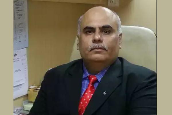 Dr Niraj Uttamani